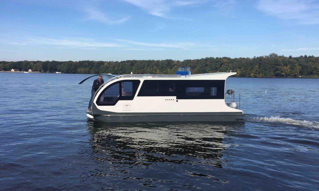 sportboot caravanboat. Black Bedroom Furniture Sets. Home Design Ideas